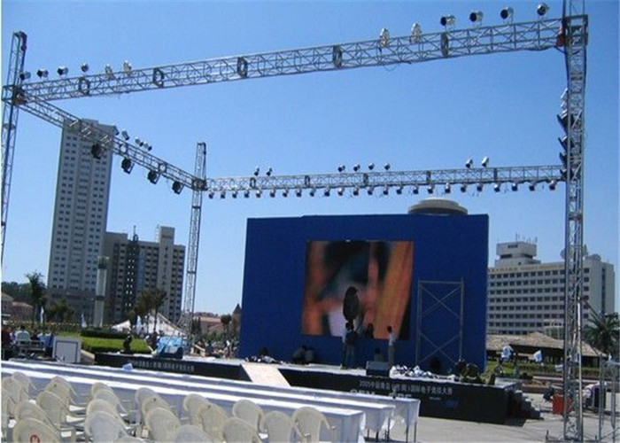 P3.91 Rental LED Display MBI5252IC 3840Hz 500*500mm/500*1000mm Die-casting Cabinet For Concert High Strength Suspension